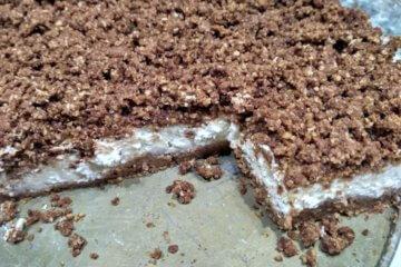 Strúhaný tvarohový koláč takmer bez cukru