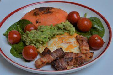 Vyvážený raňajkový šalát