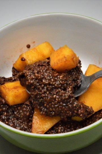 Kakaový chia puding s mangom