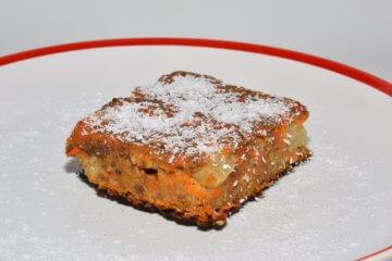 Mrkvovo ananásový koláč bez vajec