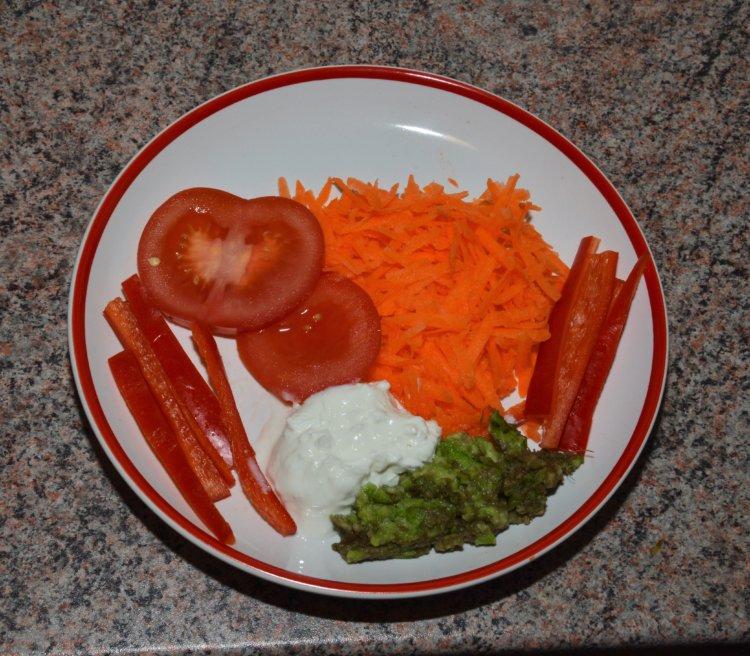 Zeleninová misa s tvarohom