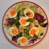 Šalátovo vajíčkový tanier