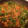 Cícer so špenátom a paradajkami