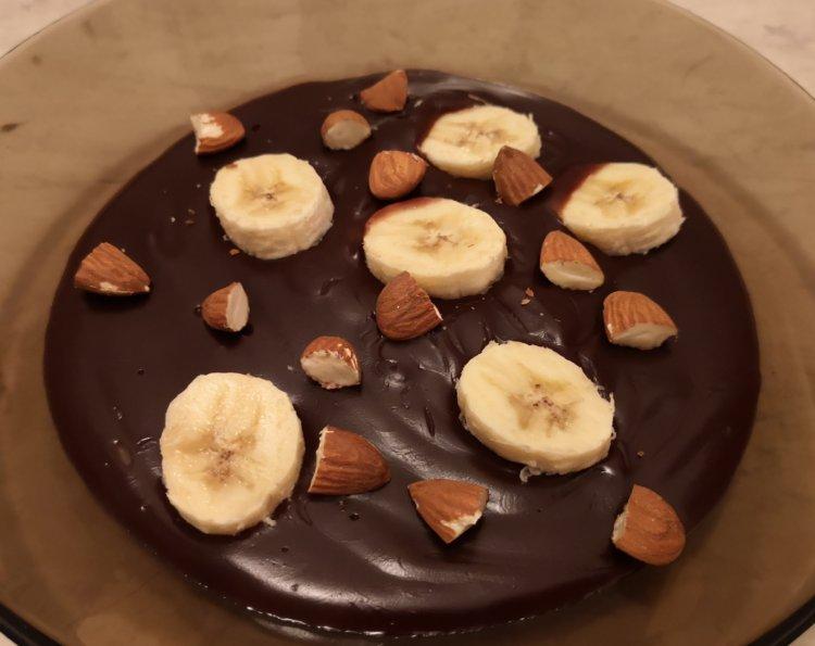 Čokoládový puding s mandľami