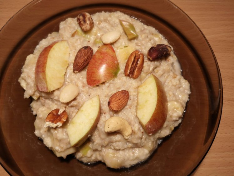 Vanilková pudingovo ovsená kaša s jablkami