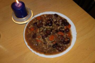 Bôbová polievka s krúpami