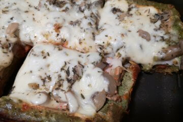 Lowcarb pizza s mozzarellou