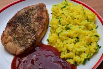 Morčací steak s brusnicovou omáčkou