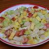 Avokádový šalát so šunkou, syrom a vajíčkom