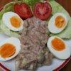 Tuniakový šalát s vajíčkami